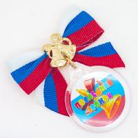 Бант с медальоном (артикул 804110581)
