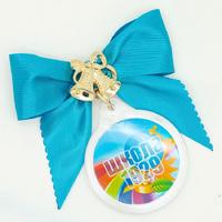 Бант с медальоном (артикул 804010580)